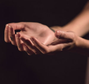 hands-mg